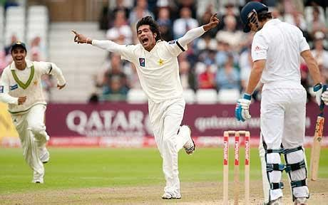 king of swing bowling england v pakistan mohammad amir swings his way onto the