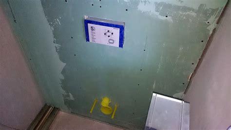 gipskarton im bad rigipsplatten verlegen spachteln schleifen in