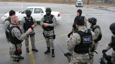 Macon County Warrant Search Officers Serving Warrant In Enforcement