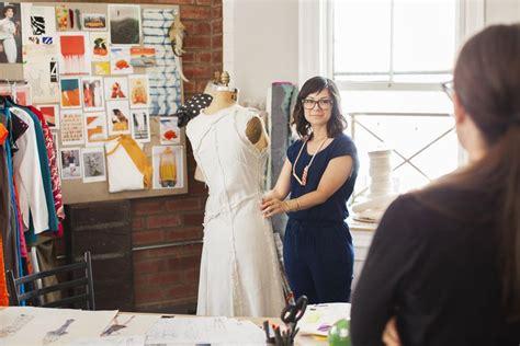 fashion design intern finding an internship in the fashion industry