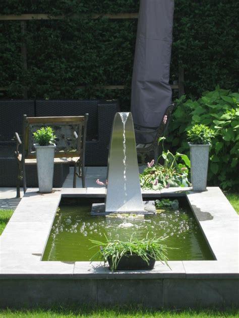 Waterfall Backyard Design Cr 233 Er Un Bassin Contemporain Dans Votre Jardin