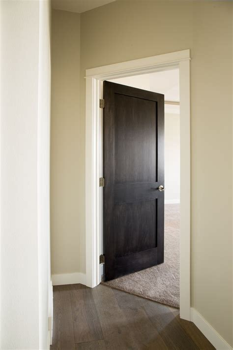 White Wood Interior Doors Best 25 Interior Door Trim Ideas On Door Molding House Trim And Craftsman Trim
