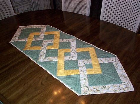 Patchwork Table Runners Free Patterns - pin by maryhela almeida on criar novo painel
