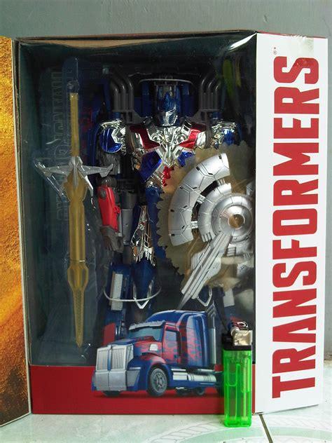 Emblem Perisai Transformer jual mainan figure transformers aoe optimus prime