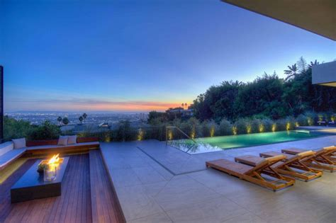 spectacular views over los angeles by la kaza and meridith baer home homedsgn spectacular views over los angeles by la kaza and meridith