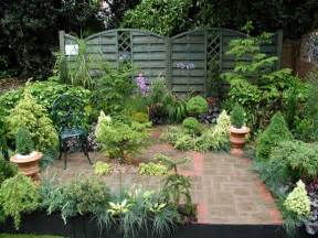 Small Gardens Design Ideas Small Courtyard Garden Design Ideas