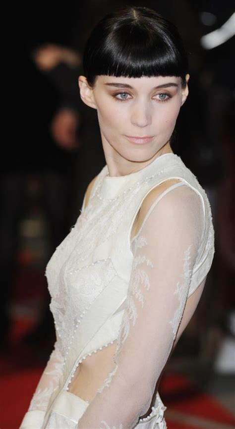 rooney mara dragon tattoo rooney mara denies slamming and order svu stint