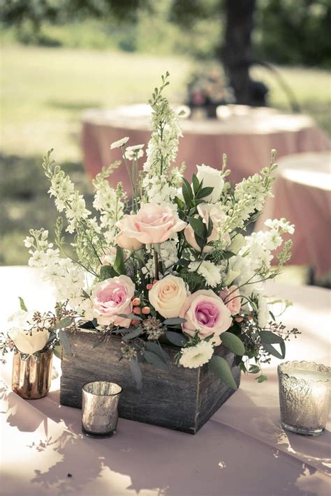Flower Arrangements Wedding by Best 25 Rustic Flower Arrangements Ideas On