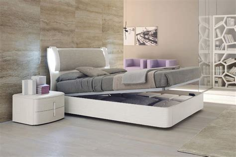 lacquered made in italy leather luxury platform bed with