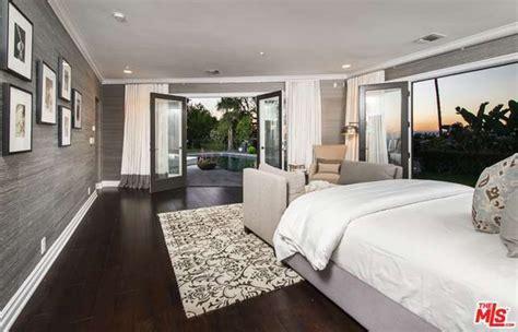 bedroom set los angeles bedroom home design ideas the master bedroom mila kunis los angeles mansion lonny