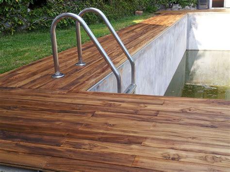 pavimenti in legno per piscine piastrelle in legno per piscine design casa creativa e