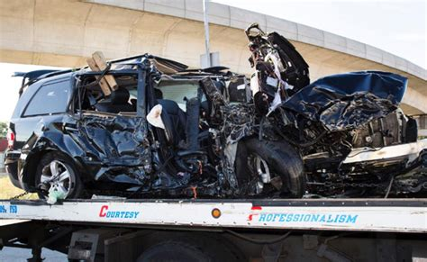 Actor Garrisons Suv Wrecks 1 Dead by 5 Killed 3 Injured In Suv Rollover Ny