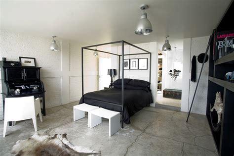 imagens de quartos de casal industrial moderno