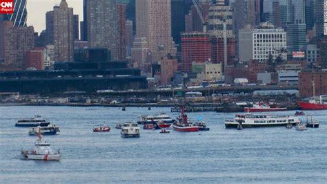sink or swim after crash landing in the hudson books 2009 airplane crash lands into hudson river all aboard