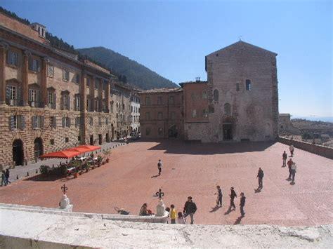 cinque palazzo di san galgano http www webalice it