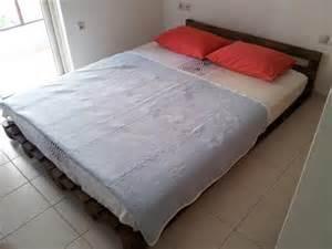 Diy Platform Bed With Pallets Platform Bed Made From Pallets 99 Pallets