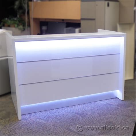Led Reception Desk Mdd Valde Linear Reception Desk White With Led Lighted Front Allsold Ca Buy Sell Used