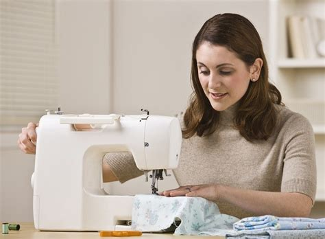 What Is The Easiest Sewing Machine To Use?