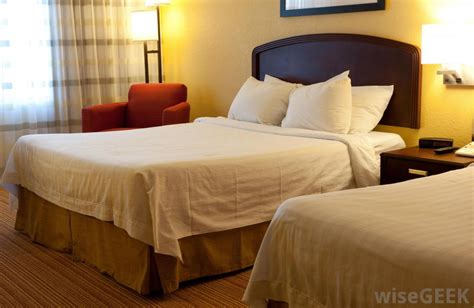 bed in hotel what are the different types of hotel amenities