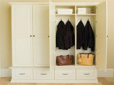 mudroom furniture ideas artisan mudroom furniture how to make your own mudroom