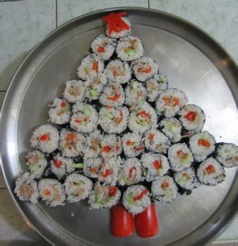 8 awesome christmas sushi ideas web cool tips