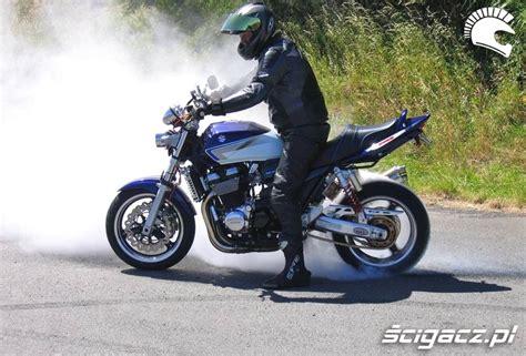 Suzuki Agents Zdjęcia Recycling Opony Suzuki Gsx 1400 Suzuki Gsx1400