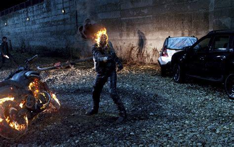 film cu nicolas cage ghost rider imagini ghost rider spirit of vengeance 3d 2012