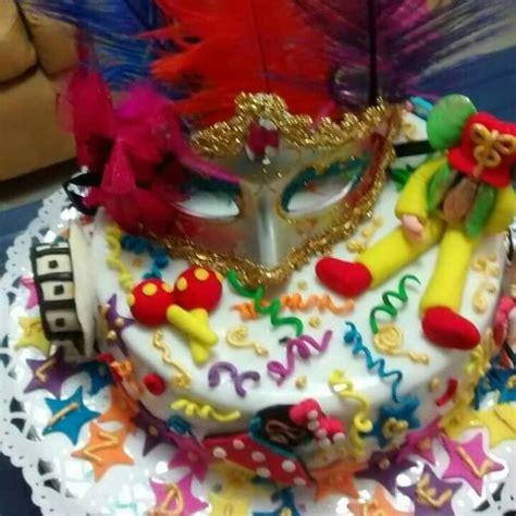imagenes de tortas muy bonitas torta carnaval para la persona divertida con esp 237 ritu de