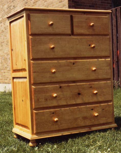 Upright Dresser Bureaux Dressers