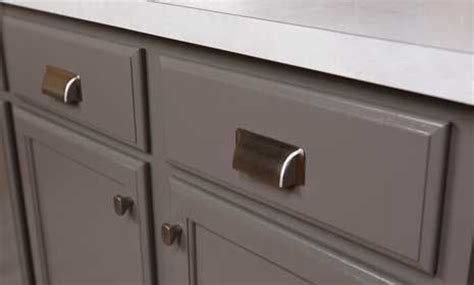 how to choose hardware for kitchen cabinets how to choose kitchen knobs and pulls bhg s best diy