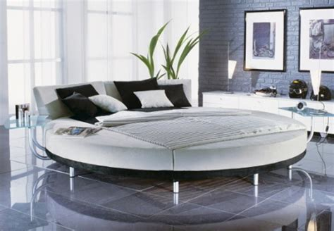 Round Bedroom | 25 amazing round beds for your bedroom