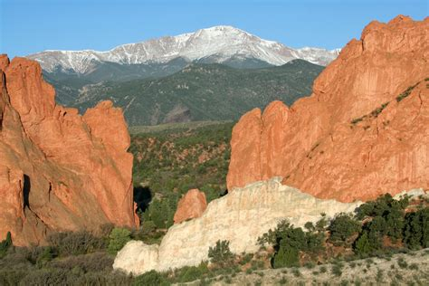 Garden Of The Gods Or Pikes Peak Garden Of The Gods Colorado Travel Photographers Magazine