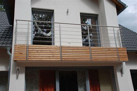 balkongitter edelstahl balkongitter holz kreative ideen f 252 r innendekoration und