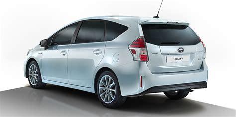 2015 Toyota Prius V 2015 Toyota Prius V Facelift Revealed Photos 1 Of 5