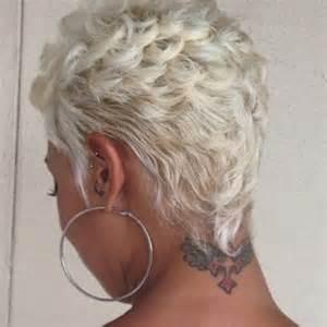 la moda en tu cabello: cortes de pelo corto rubio para las