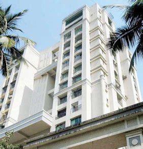 priyanka chopra house mumbai cost priyanka chopra sealed 100 crore dariya mahal deal