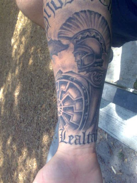 leonidas tattoo leonidas spartan statue