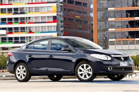 renault sedan fluence 2011 renault fluence released photos 1 of 6