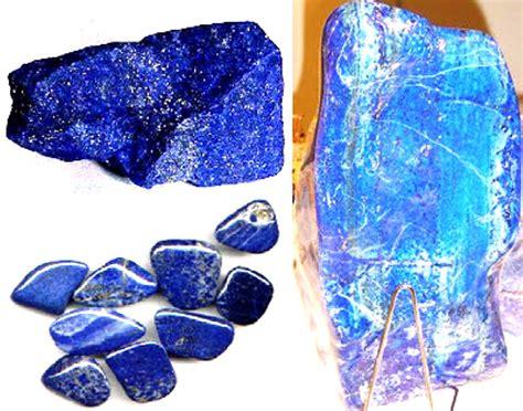 Batu Lapis Lazuli Biru Tua batu lapis lazuli adalah batu mikro si momot