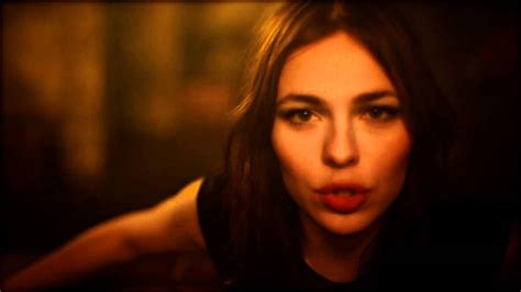 nina kraviz bathtub related keywords suggestions for nina kraviz