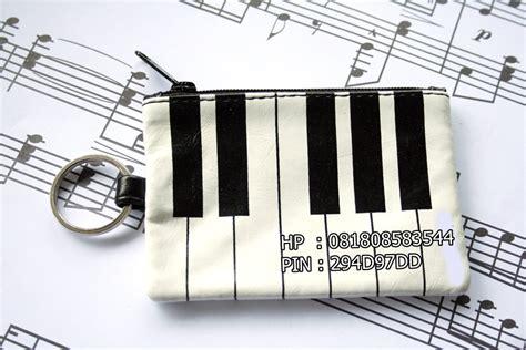 Gantungan Keyboard pernak pernik musik 16 dompet hp