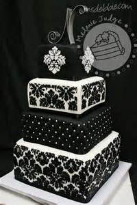 Cheap Paris Themed Decor Southern Blue Celebrations Black Amp White Wedding Cake Ideas
