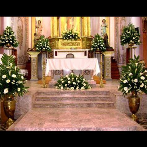 arreglos florales para confirmacion en iglesias arreglos para el altar y pasillo iglesia boda