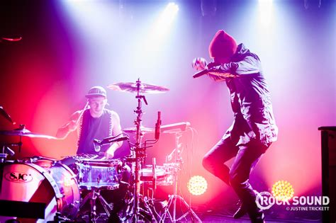 21 Pilots Live Room by 10 Photos Of Twenty One Pilots Bringing To Its