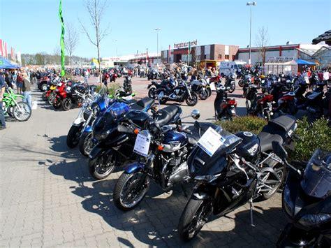 Motorrad Flohmarkt Berlin by Motorradtreffen Flohmarkt Edendorf