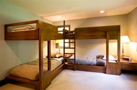 Bunk Beds For 4 by Bunk Beds For Four Wonderful Space Saving Additions To