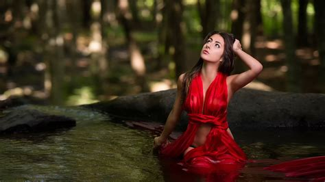 wallpaper girl red red dress girl in water wallpaper girls wallpaper better