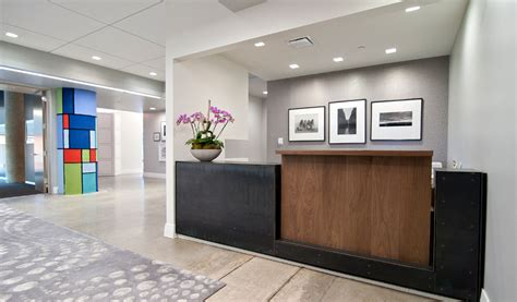 Front Desk Designs For Office Clean White Front Office Interior Design Ideas Office Design Pinterest Office Interiors
