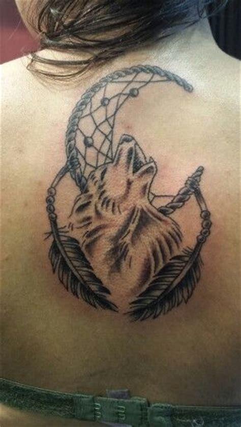 wolf dreamcatcher tattoo designs best 25 wolf sleeve ideas on forest