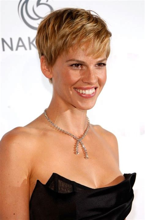 hillary farrs hairstyles with bangs 35 best images about hilary swank on pinterest wavy